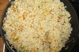 Рецепт Рис с морковью и луком