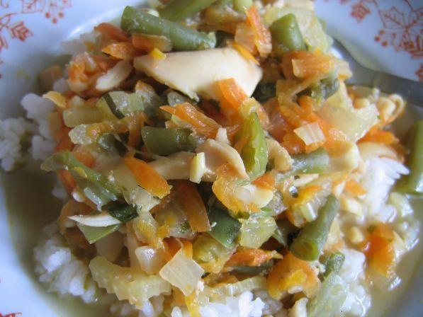Рецепт Тушеный кальмар с овощами