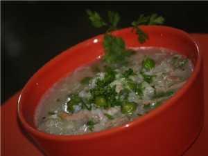 Рецепт Суп рисовый с кальмарами и зеленым горошком