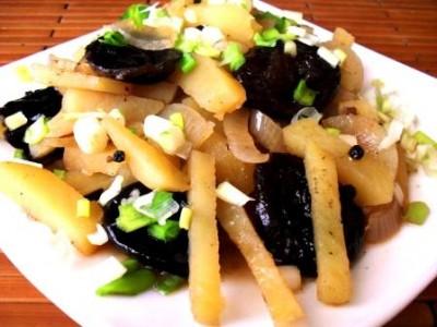 Рецепт Картофель с черносливом