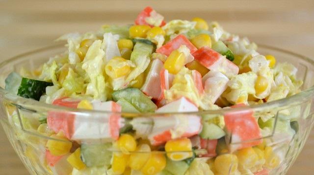 Рецепт Салат из крабовых палочек и пекинской капусты