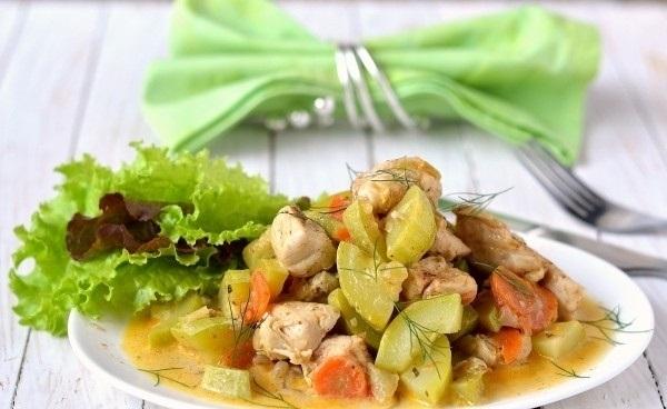 Рецепт Курица, тушеная с кабачками