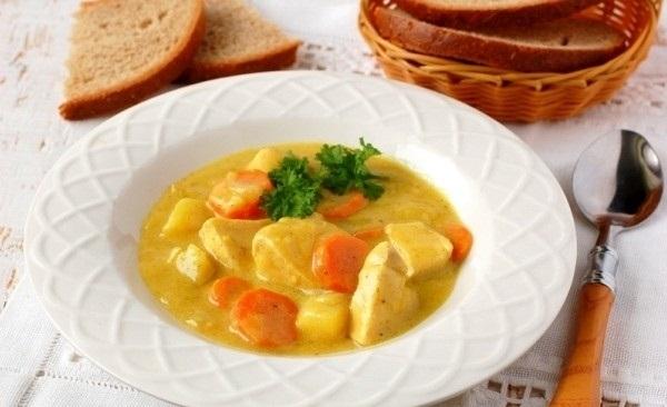 Рецепт Куриная грудка с овощами в пряном молочном соусе