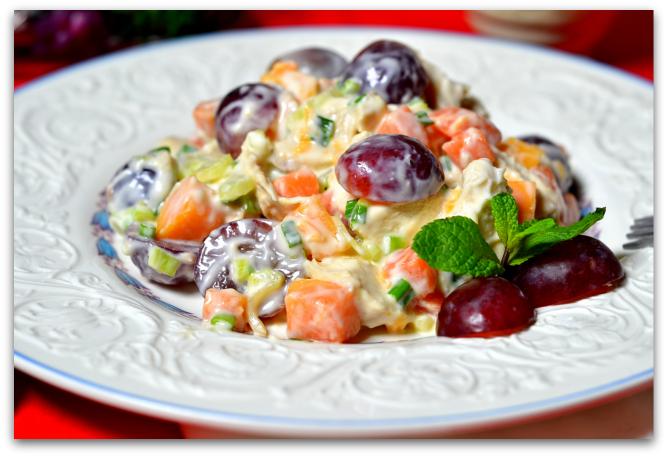 Рецепт Куриный салат с виноградом