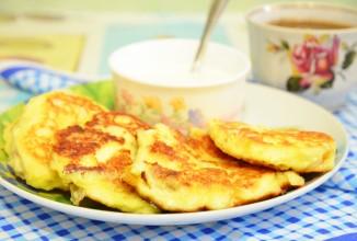 Рецепт Сырники с бананом и курагой