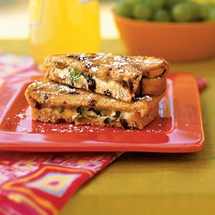 Рецепт Жареные Бутерброды с сыром, малиной и медом