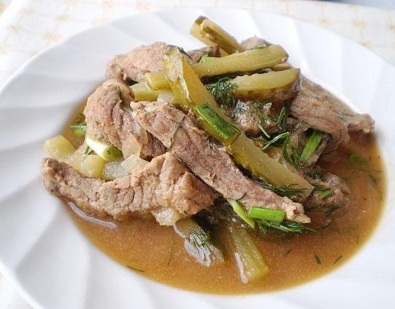 Рецепт Говядина в остром соусе с маринованными огурцами