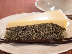 Рецепт Пирог с маком и сметанно-ванильным кремом
